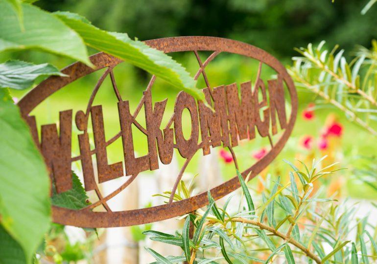 Gartenstecker aus Rost - das ganze Jahr wahre Hingucker